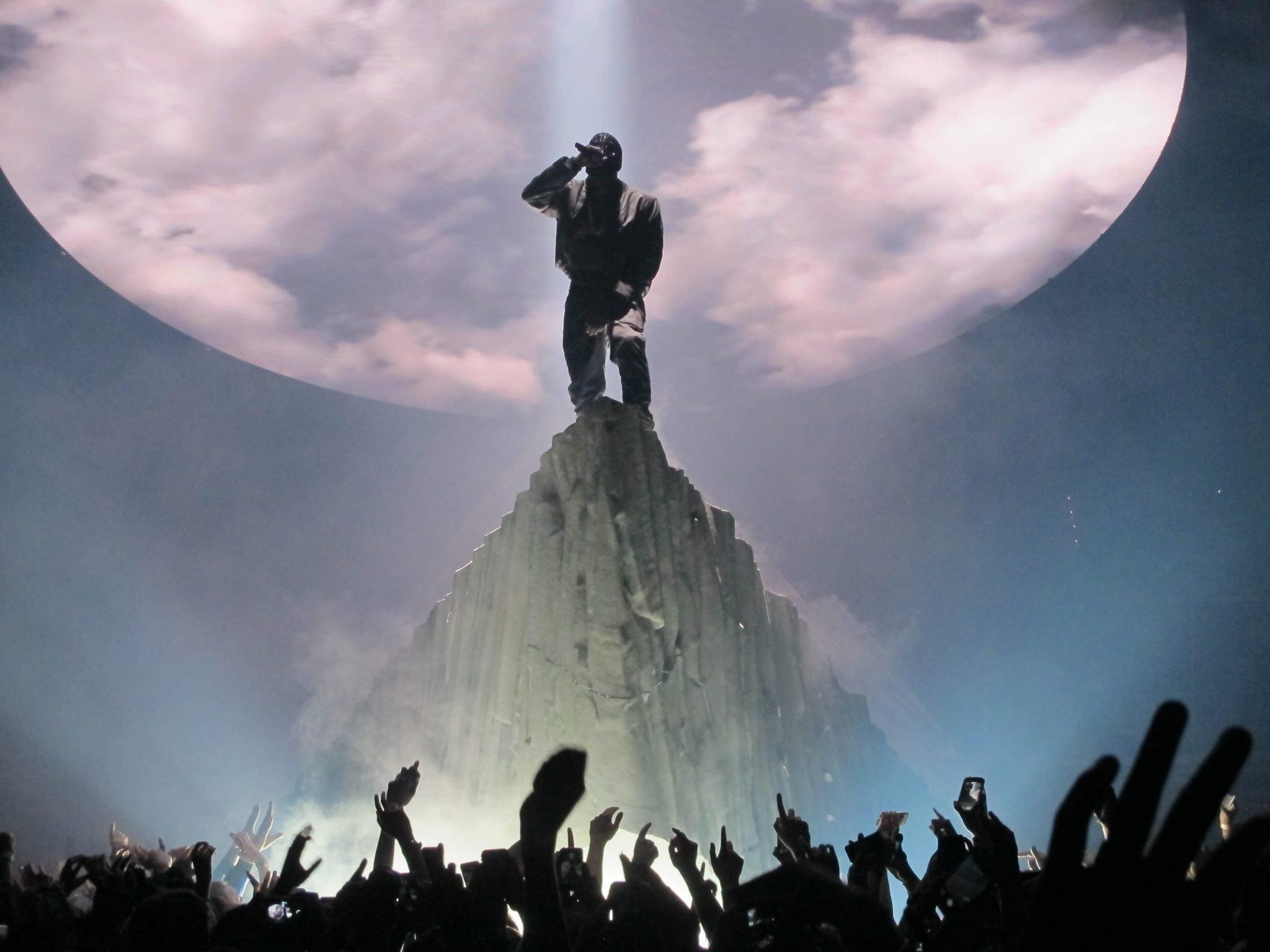 Kanye West Yeezus Tour - Lightborne Communications Kanye West Yeezus Concert